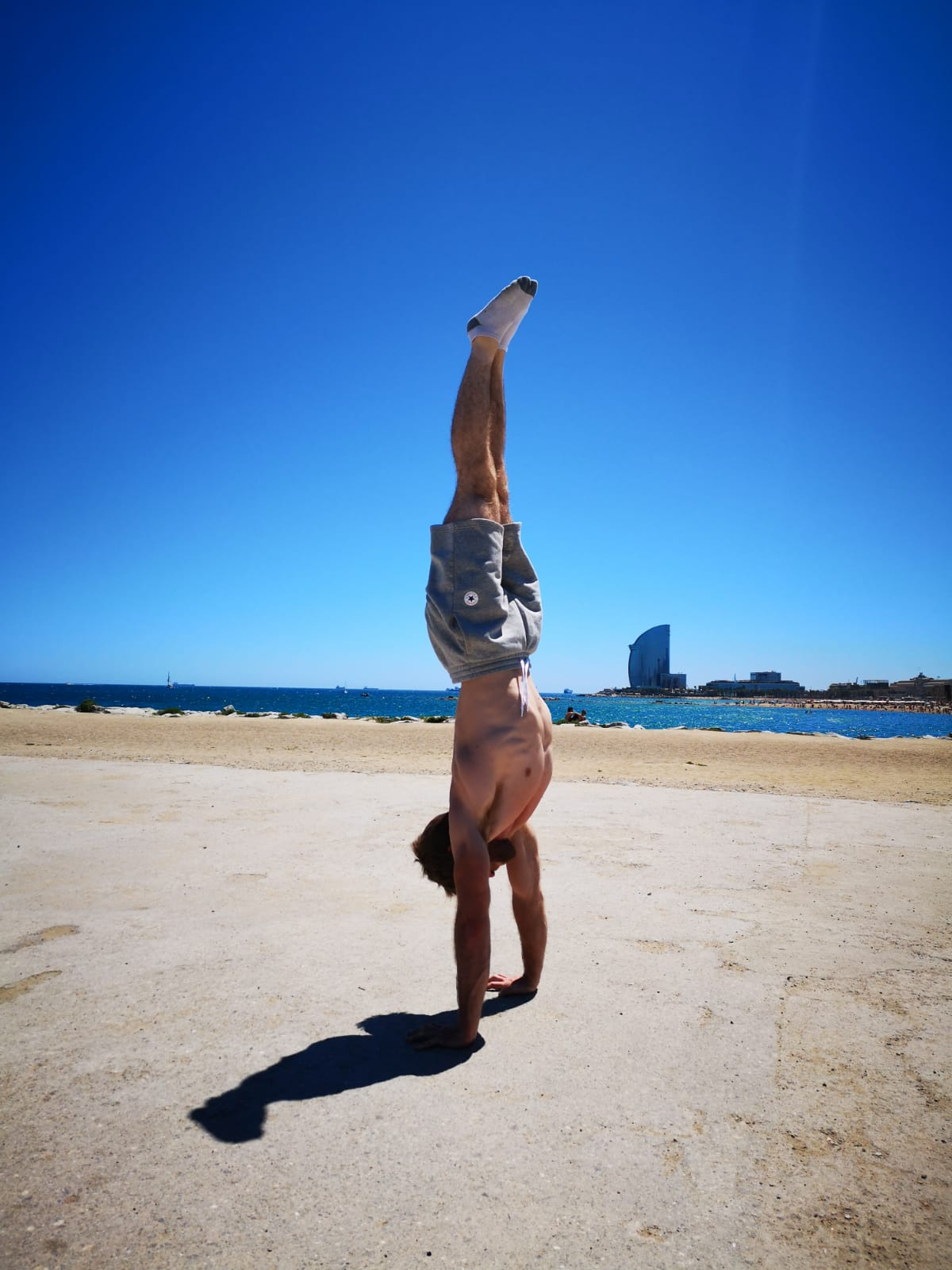 Barcelona JUN 2019 Handstand backdrop