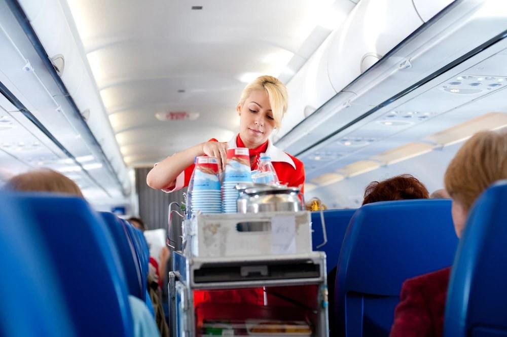 Pokojnog supruga Bienenfeld je upoznala u avionu kao stjuardesa, a na.