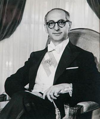 Αρτούρο Φροντίζι (28/10/1908 - 18/04/1995)