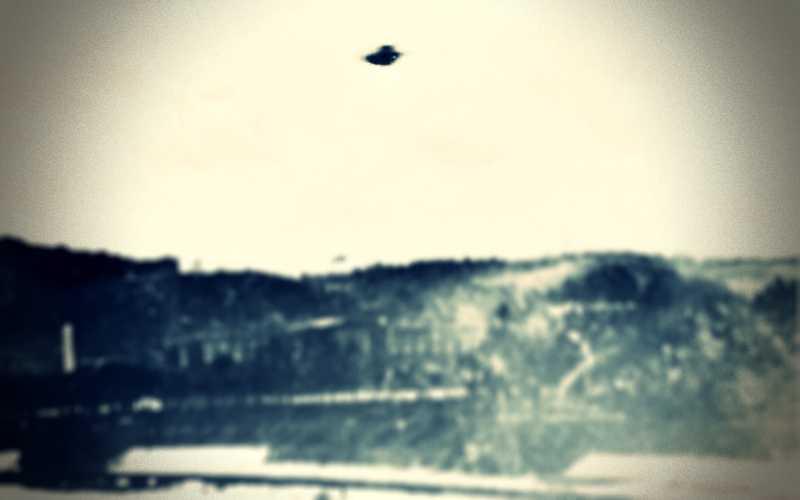 Ιπτάμενος δίσκος πάνω από τη Νάπολη της Ιταλίας, το 1955...