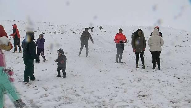 snow atacama, snow atacama chile, unprecedented snow atacama chile video, unprecedented snow atacama chile video, anomalous snow june 2017 atacama desert, Unprecedented snow disrupts mining acitivities in the Atacama desert in Chile