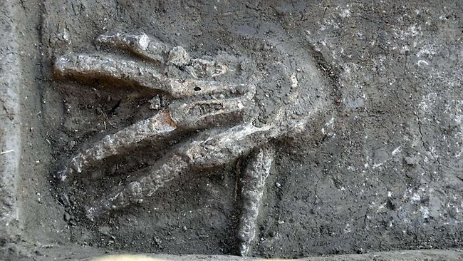 Thousands of severed large hands found in palace in Egypt