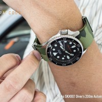 Ideally at the end of summer | Rubber Nato Straps on Seiko SKX007/SKX009