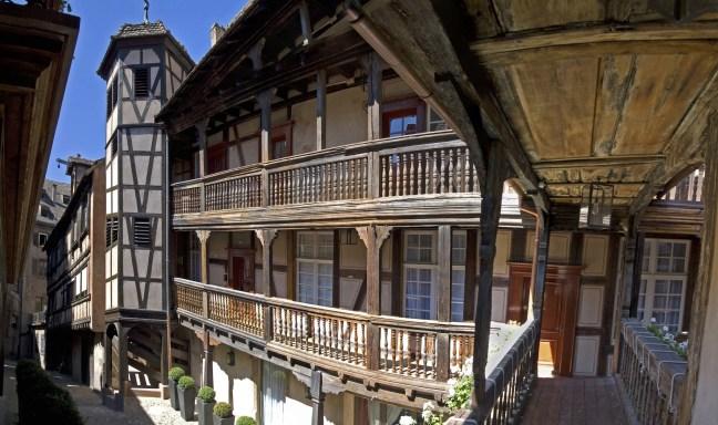 1-1.-Facade_Cour-du-Corbeau©-Giljean-KLEIN_RVB_HD1