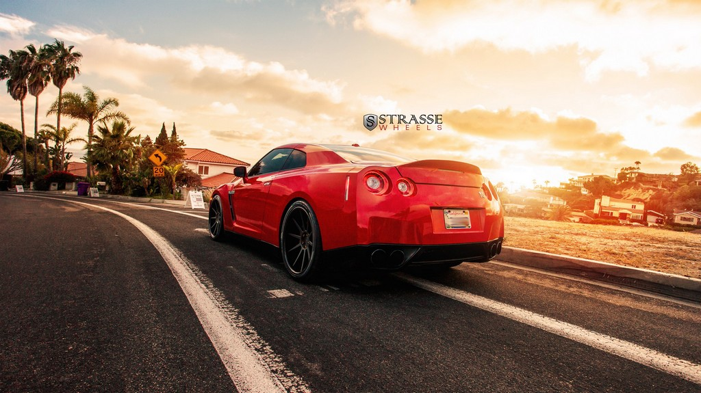 "Strasse Wheels - Vibrant Red 700hp Alpha 7 Nissan GT-R - 21"" R10 Deep Concaves 12"