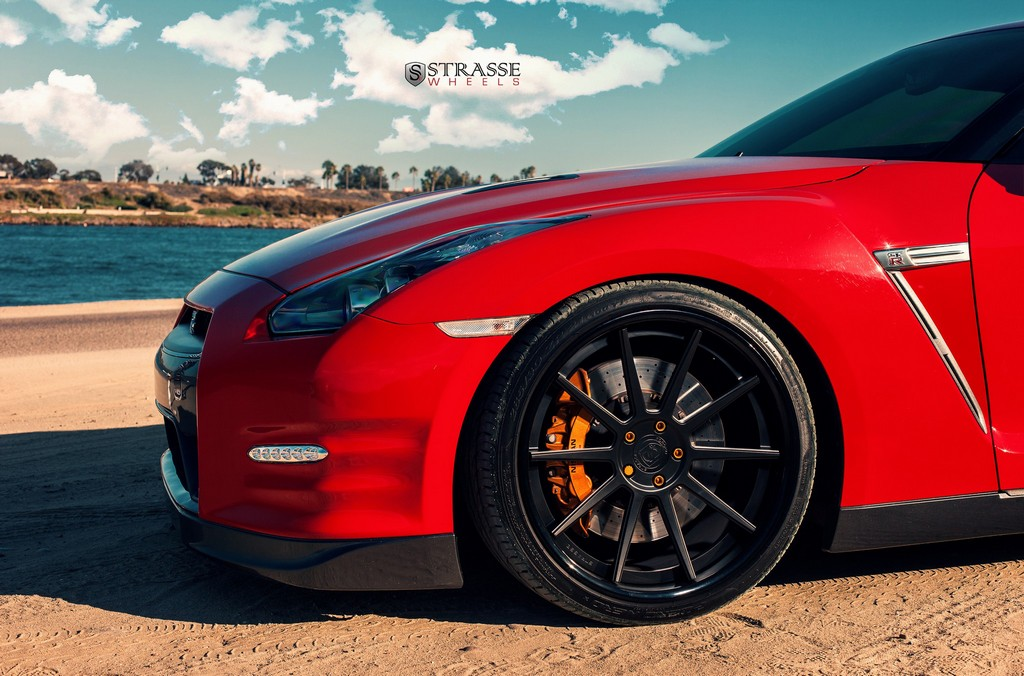 "Strasse Wheels - Vibrant Red 700hp Alpha 7 Nissan GT-R - 21"" R10 Deep Concaves 5"