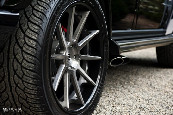 Strasse-Wheels-Mercedes-Benz-G63-AMG-22-R10-Deep-Concave-Wheels-8