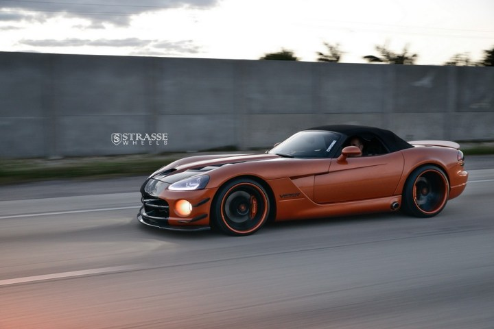 Strasse Wheels Dodge Viper S5 4
