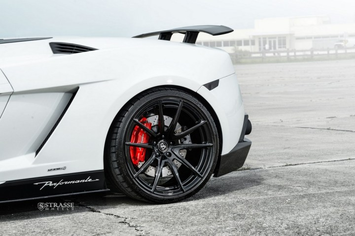 Strasse Wheels Lamborghini Performante 15