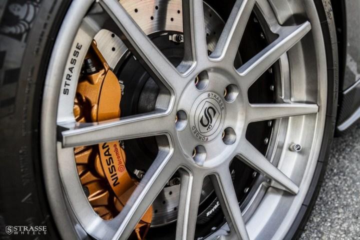 Strasse Wheels Gunmetalic GTR R10 4