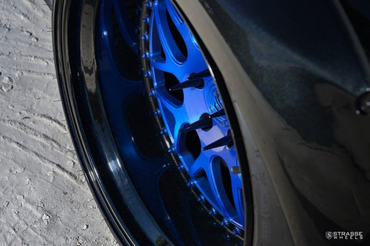 Strasse Wheels Dodge Challenger SRT 8