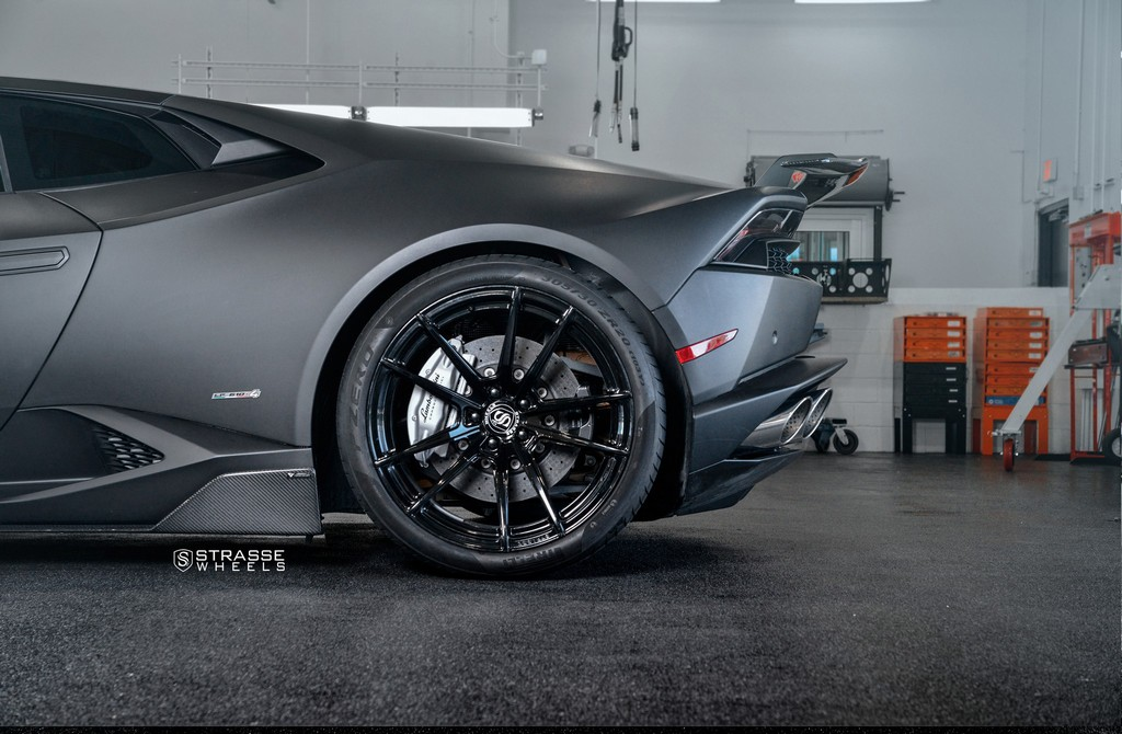 "Matte Black Lamborghini Huracan LP610-4 - 20"" SV1 Deep Concave Monoblock Wheels - Strasse Wheels 13"