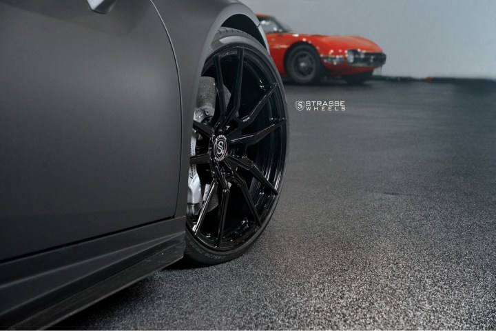 Strasse Wheels Matte Black Huracan SV1 6