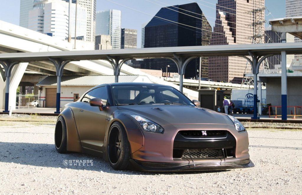 Strasse Wheels - Liberty Walk Wide Body Nissan GT-R - SP5R Signature Series 1
