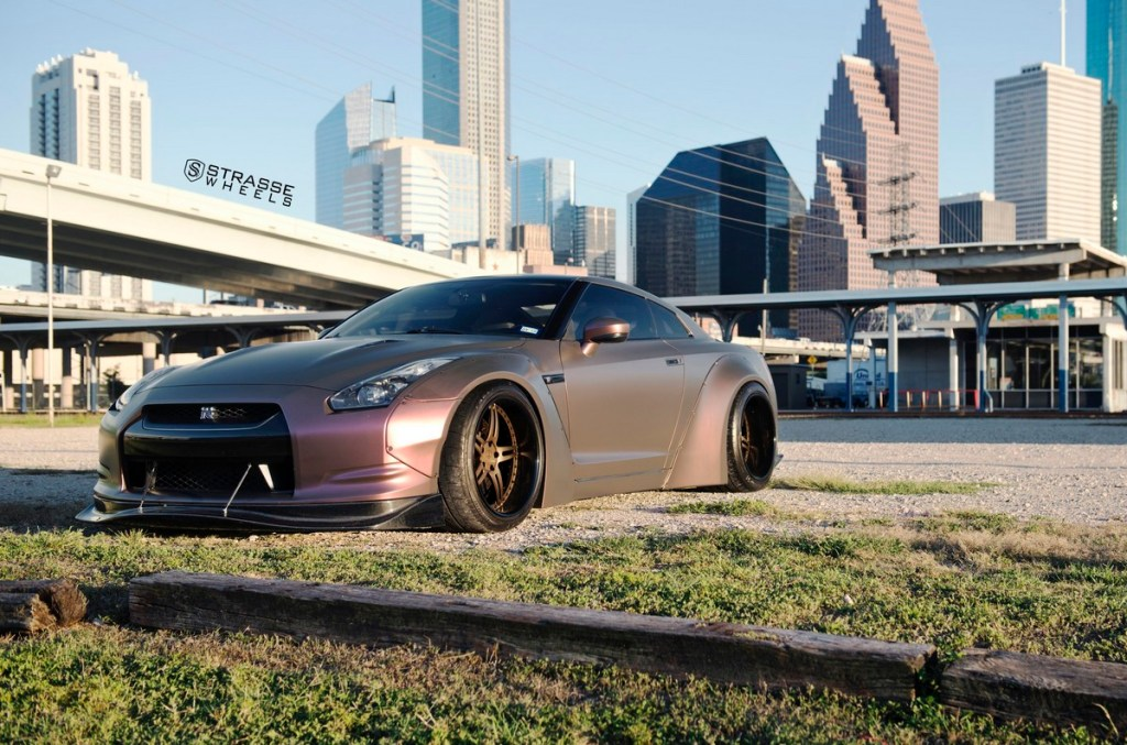 Strasse Wheels - Liberty Walk Wide Body Nissan GT-R - SP5R Signature Series 5