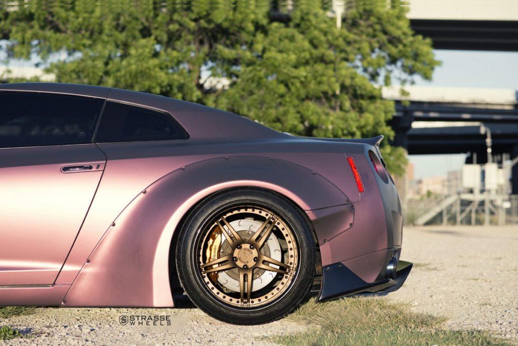 Strasse Wheels - Liberty Walk Wide Body Nissan GT-R - SP5R Signature Series 4