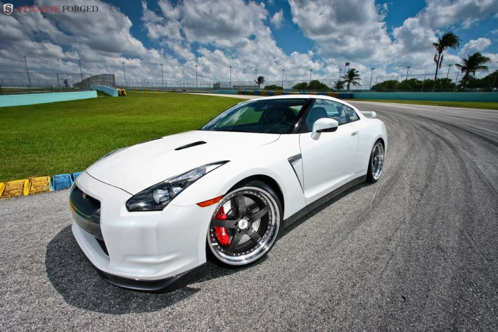 STRASSE FORGED WHITE GTR 1