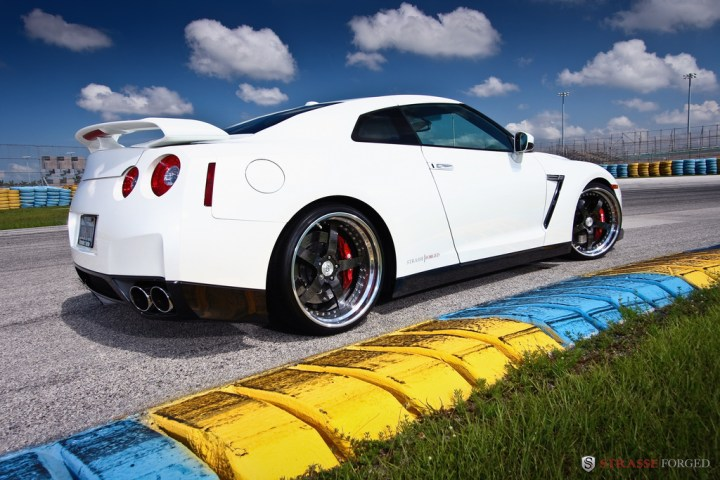 STRASSE FORGED WHITE GTR 10