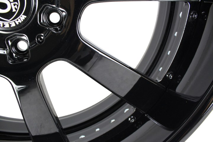 T8 Signature Series - Gloss Black 5