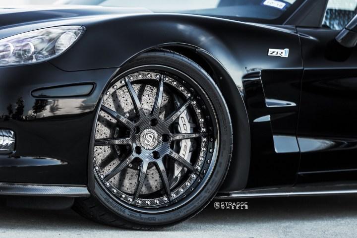 Chevrolet Corvette C6 ZR1 - 19:20 R10 Signature - Carbon - Black 6