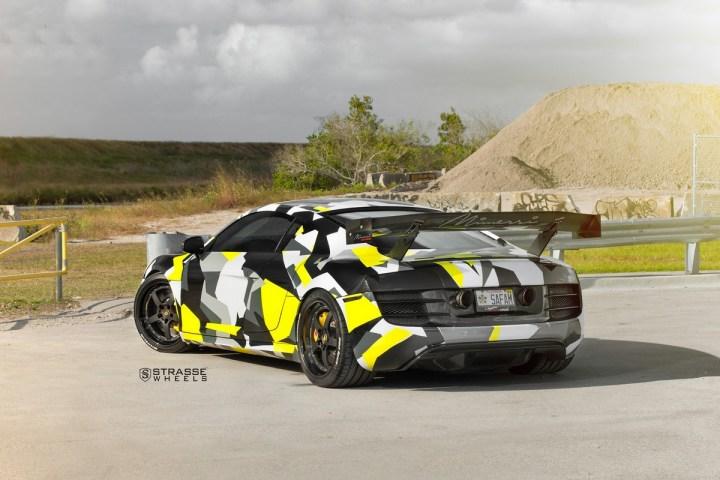 AudiR8 -8 2