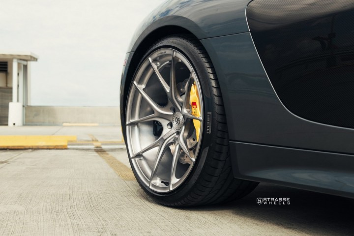 Audi R8 V10 Spyder - 20:21 SM5R Deep Concave Monoblock 12