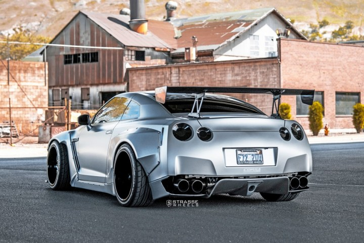 Rocket Bunny Nissan GT-R - SV8 Signature Series 15