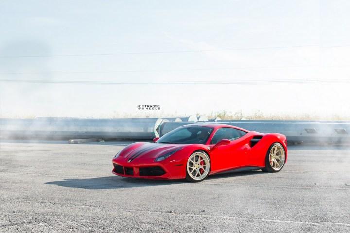 Ferrari-488-2