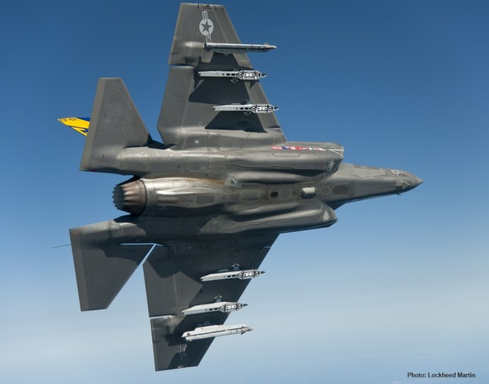 F-35 Lightning w payload visual