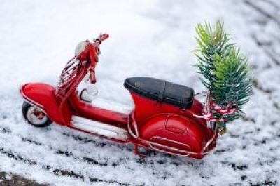 scooter decorated for holidays