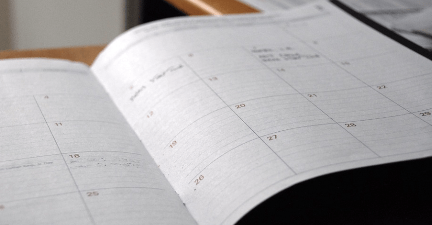 Using a dayplanner to set priorities
