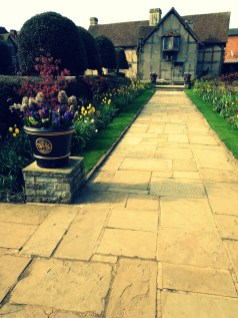 Visit Shakespeare's Birthplace for the gardens ©Stratfordblog.com