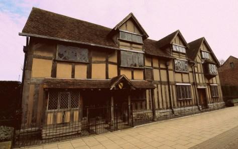 FROM CRADLE... Visit Shakespeare's Birthplace in Stratford-upon-Avon ©Stratfordblog.com