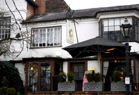 The Dirty Duck runs Fizz Friday - one of the top 5 drinks experiences in Stratford-upon-Avon ©Stratfordblog