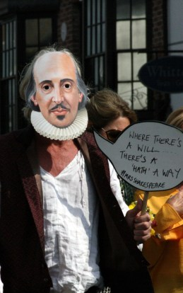 Mr Shakespeare ©Stratfordblog.com