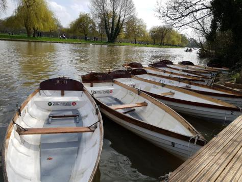 Hire a boat on the Avon - one of the top 5 Stratford-upon-Avon summer experiences ©Stratfordblog.com