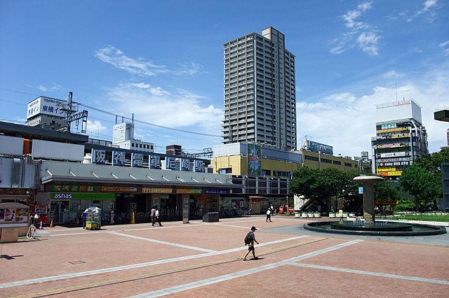 640px-Amagasaki_Station_Hanshin01n4000