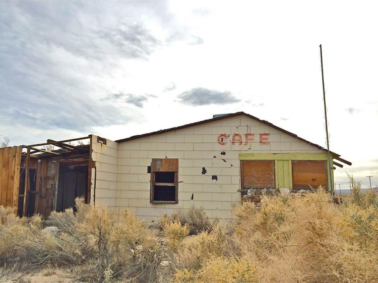 Cafe is closed - Hwy 395