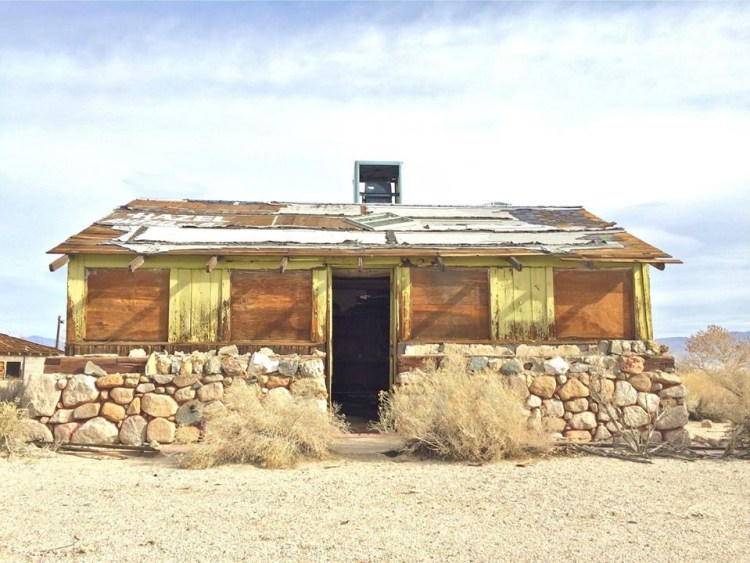 Closed Cafe along HWY 395.