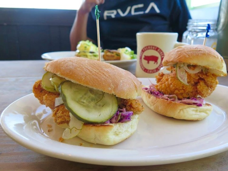 The Fried chicken w/coleslaw & pickles on Parkerhouse roll (Slider size) was tasty.