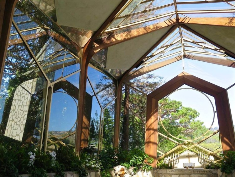 """Chapel Architect Lloyd Wright, son of the pioneering American architect Frank Lloyd Wright, conceived the design of Wayfarers Chapel as a """"tree chapel"""", a natural sanctuary set in the midst of a forest."""