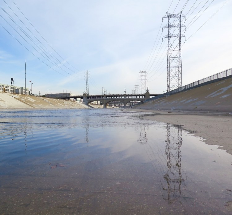 However, just 20 years after the Sixth Street Viaduct was constructed the cement supports began to disintegrate due to a chemical reaction known as Alkai Silica Reaction (ASR), causing significant deterioration of the structure.