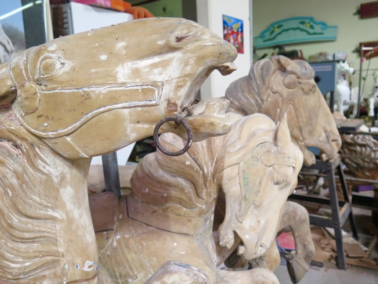 Middle and inside row horses rarely show all the beautiful carving detail that an outside-row horse carries.