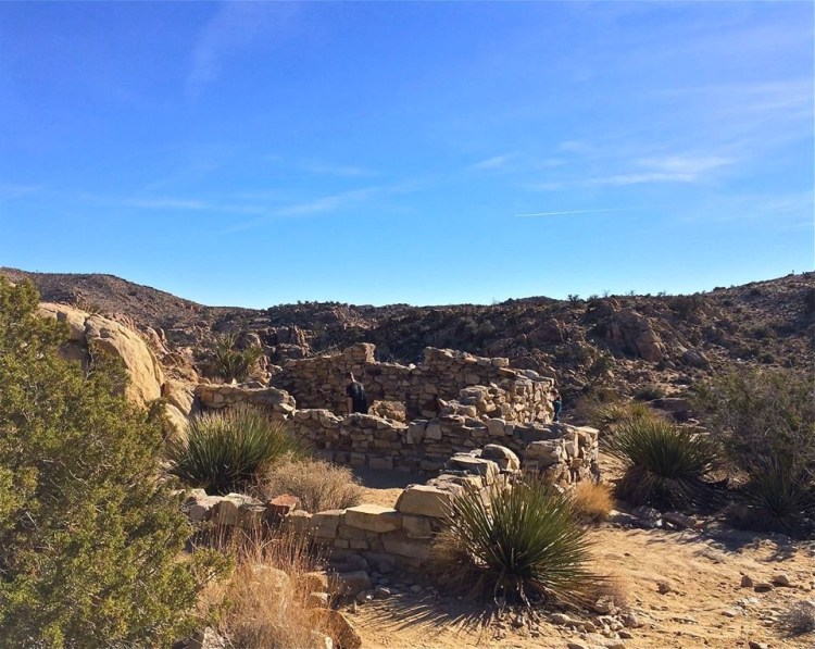 The ruins of an old rock house on the way to the Desert Queen Mine.