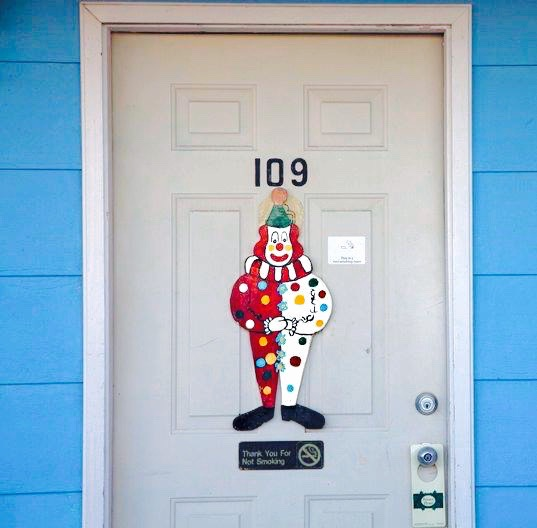Imagine, if you will, being that weary traveler, rolling into town at midnight to discover that the only vacancy in town is within the confines of the Clown Motel. Dear God.