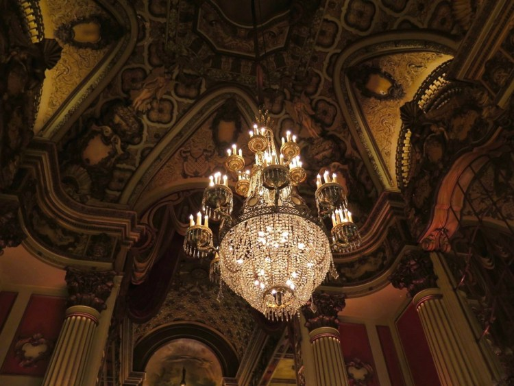 The Los Angeles has always been one of my favorite old theaters within the historic Broadway Theater District.
