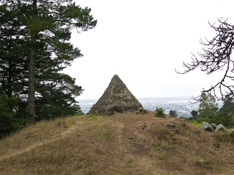 The Pyramid to Moses was built by Joaquin Miller in 1892 to symbolize his belief in the Ten Commandments.