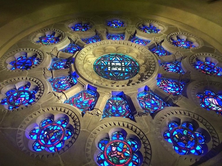 During the recent renovation, the rose window was removed and repaired at the Judson Studios in Los Angeles. The Rose Window depicts a Torah Scroll and a Star of David in the center and symbols of the Twelve Tribes of Israel in the outer circle.