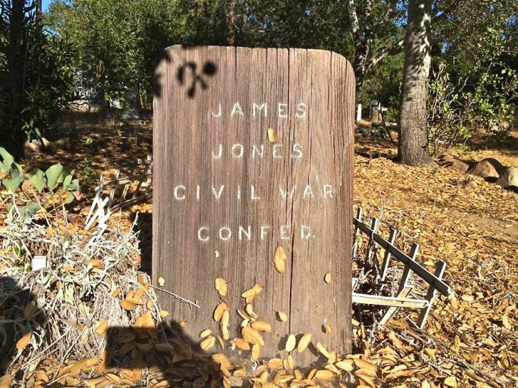 I love JJ's simple yet beautiful civil war confederate marker. The dead leaf placements are spot on.
