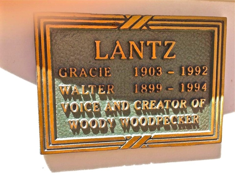Some characters in the Lantz universe (both cartoons and comics) are Oswald the Lucky Rabbit, Space Mouse, Woody Woodpecker, Homer Pigeon, Chilly Willy, Charlie Chicken, Wally Walrus and many more.
